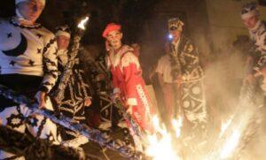Cada 19 de mayo, día de San Juan Lorenzo se celebra la Contradanza de Cetina. Toda una danza barroca llena de mudanzas y acrobacias. Si el tiempo no lo impide, saldremos desde Zaragoza.